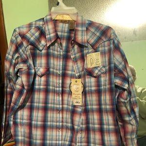 Wrangler button up shirt. NWT.